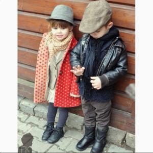 Мальчик одет во французском стиле