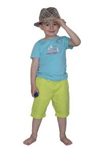 Летний микс: шляпа, футболка, шорты